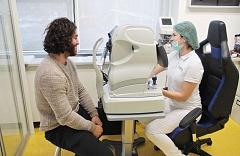 Laserová operace očí Relex Smile - kanadský hokejista Mathew Maio 2